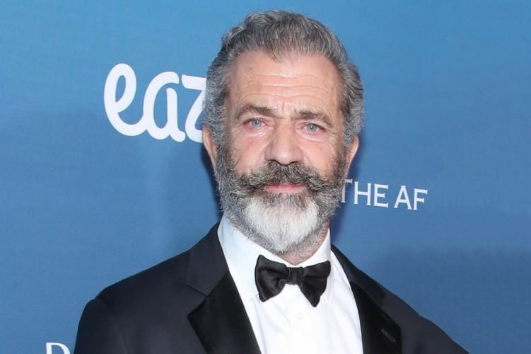 Mel Gibson Diopname Positif Covid-19 sejak April