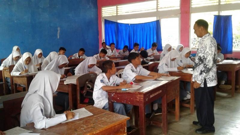 Menanamkan Pendidikan Karakter Melalui Agama