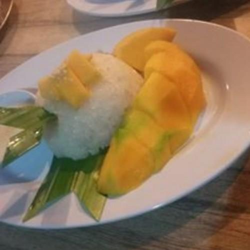 Mencicipi Gurihnya Ketan Mangga, Kuliner Khas Thailand