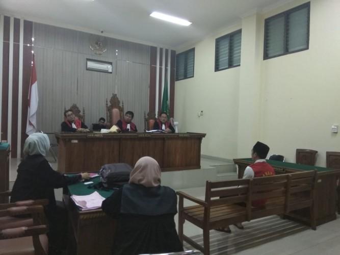 Mengaku Anggota Polisi dan Bawa Kabur Ponsel Mahal, Pemuda Ini Didakwa Pasal Tipu Gelap