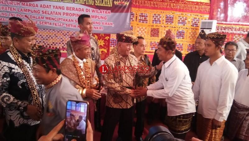 Menhan Ajak Warga Lampung Perkokoh Budaya dan Jalin Persatuan