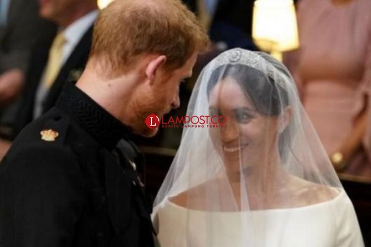 Menikah, Pangeran Harry katakan Luar Biasa kepada Meghan di Altar