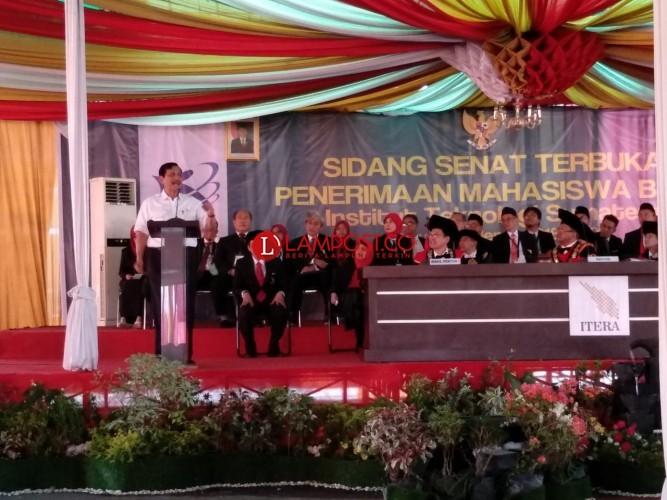 Menko Luhut: Mahasiswa Lampung Harus Berkarakter