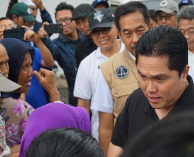 Menteri BUMN Pastikan Seluruh Korban Banjir Dapat Bantuan