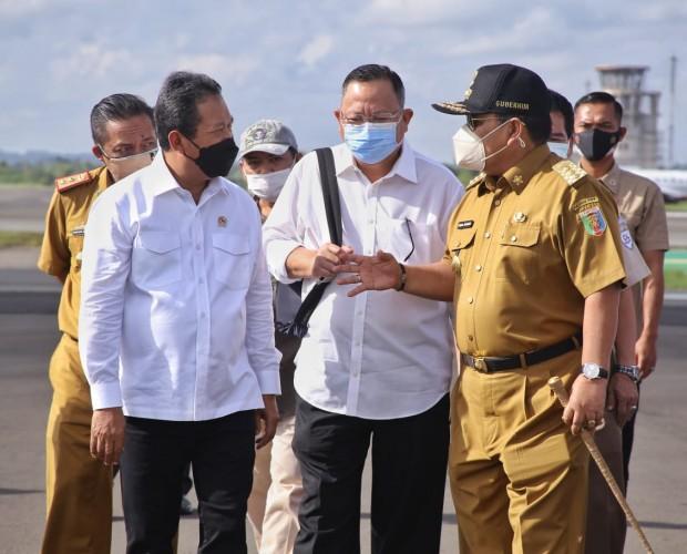 Menteri KKP Tiba di Tulangbawang Pakai Helikopter