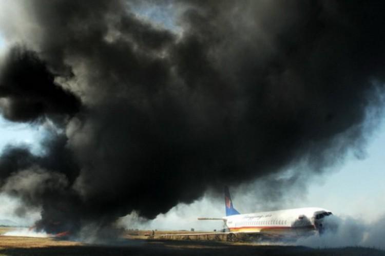 Mesin Rusak, Pesawat Rusia Mendarat Darurat di Siberia, 2 Orang Tewas