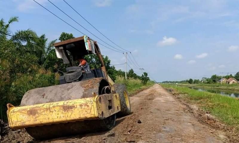 Mesuji Kebut Perbaikan Jalan Rawajitu Utara