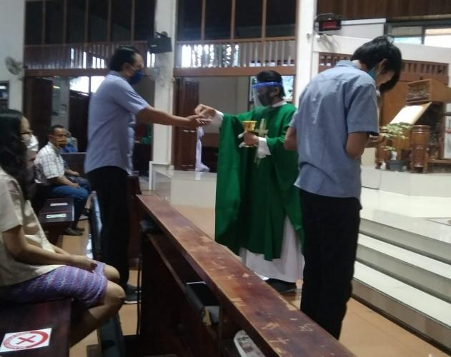 Misa Pertama dan Rindu Ekaristi