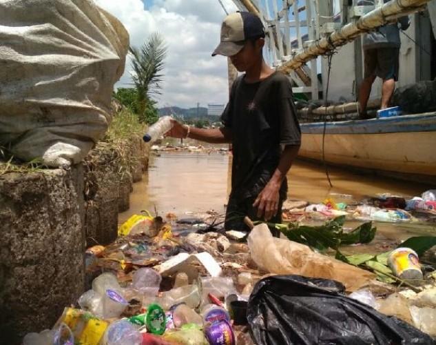 Mitra Bentala Sebut 80 Persen Pencemaran Pesisir Lampung dari Sampah Daratan