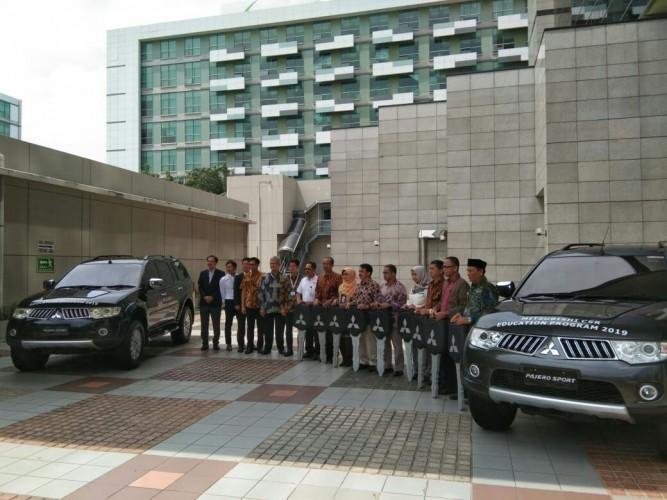 Mitsubishi CSR Education Program Donasikan 9 Mobil