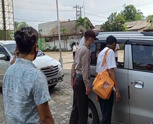 Mobil Kabag Tata Ruang PU Tubaba Jadi Korban Pecah Kaca