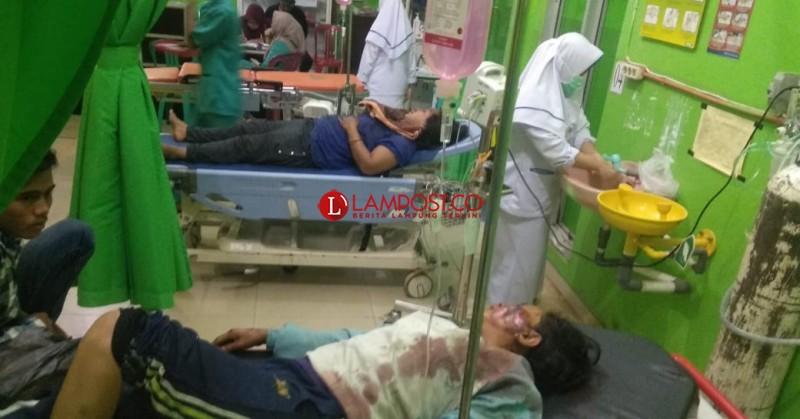 Mobil Pick Up Terbalik di Sungkai Tengah, Belasan Penupang Luka-luka