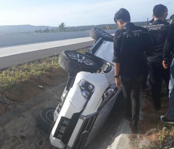 Mobil Terguling di KM 11+800 Tol Bakauheni, Tiga Penumpang Selamat
