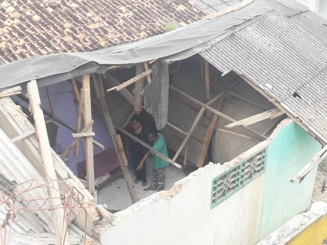 Mobil Terjun Bebas di Sukabumi Nyaris Telan Korban