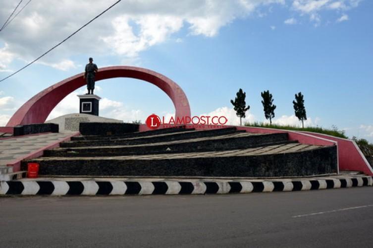 Monumen Ryacudu yang Megah dan Membanggakan