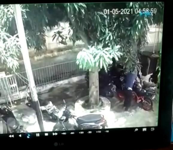 Motor Warga Raib di Parkiran Masjid