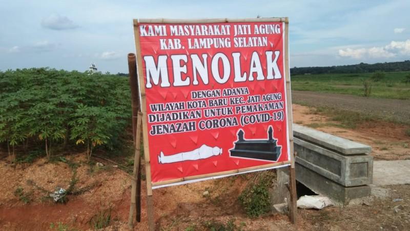 Muncul Baliho Penolakan Pemakaman Jenazah Covid-19 di Kotabaru