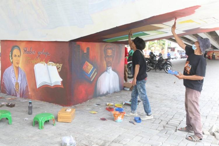 Mural Pahlawan Percantik <i>Flyover</i> MBK Bandar Lampung