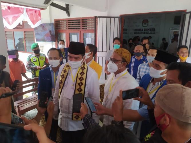 Musa Ahmad-Ardito Wijaya Resmi Daftar Pilkada Lamteng