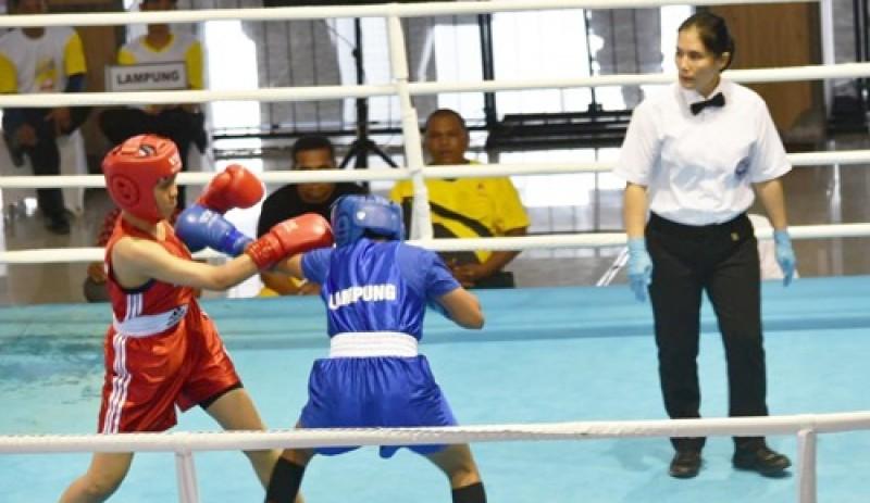 Nabila Pukul TKO Petinju Sumbar di Porwil