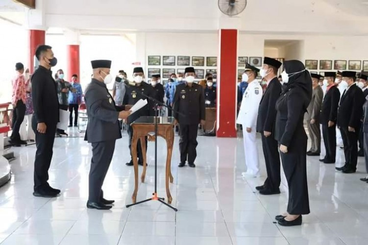 Nanang Ermanto Lantik Ratusan Pejabat Eselon III dan IV