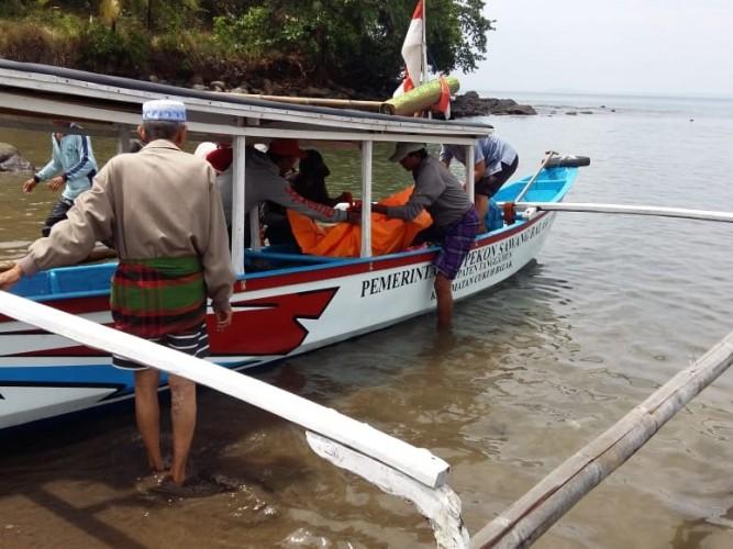 Nelayan Tanggamus Ditemukan Tergeletak Tak Bernyawa
