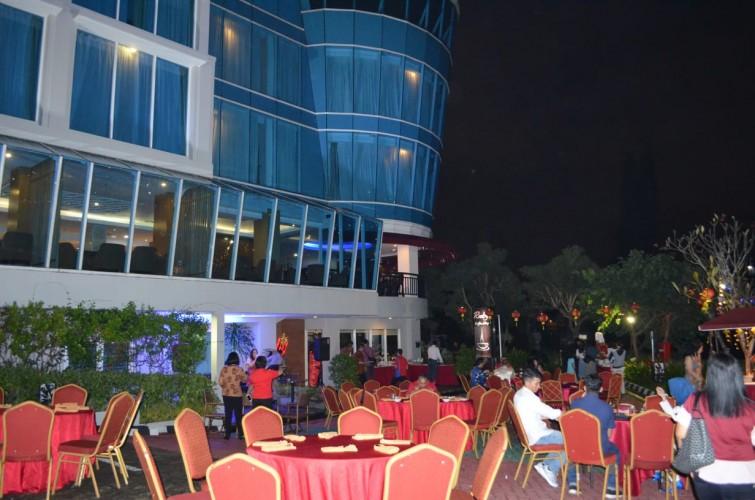 Nikmatnya Santap Malam dengan Oriental Barbeque di Emersia
