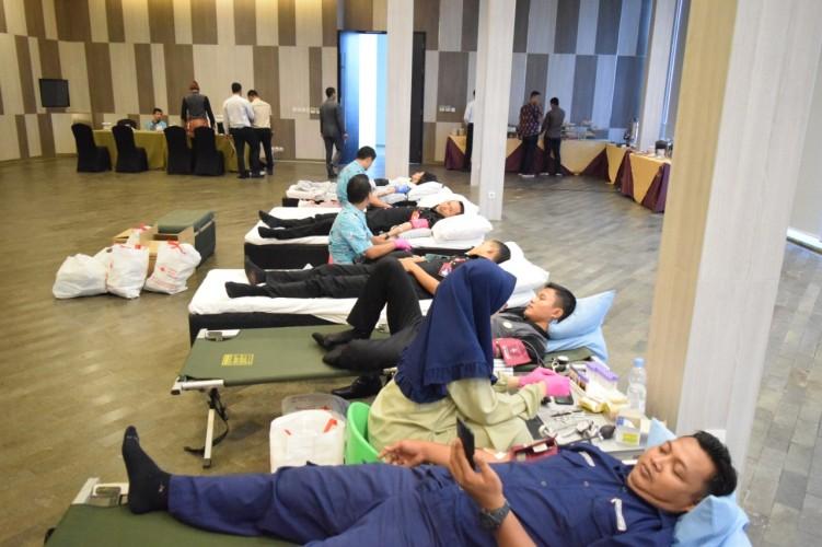 Novotel Kumpulkan 80 Kantong Darah