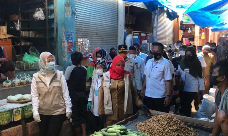 Nunik dan Eva Gandeng BPOM Pantau Bahan Makanan di Pasar