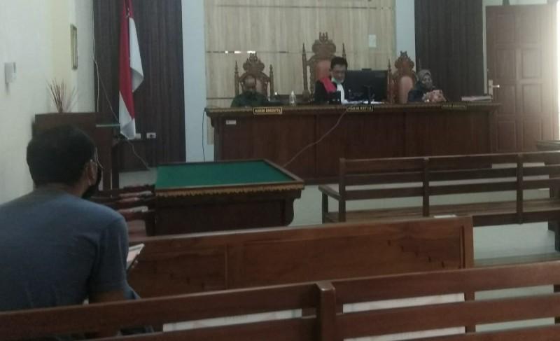 Oknum Polisi Pembawa Senpi Ilegal Divonis 8 Bulan Penjara