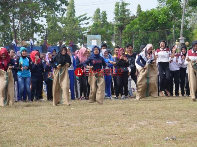 Olahraga Tradisional Semarakkan Perayaan Penyambutan HUT Ke-73 RI di Pemkab Way Kanan