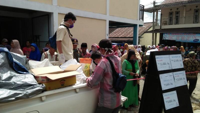 Operasi Pasar, 1,8 Ton Gula di Lambar Ludes dalam Dua Jam