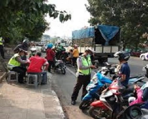 Operasi Patuh Pantau Penerapan Maksimal 50% Penumpang Kendaraan Umum