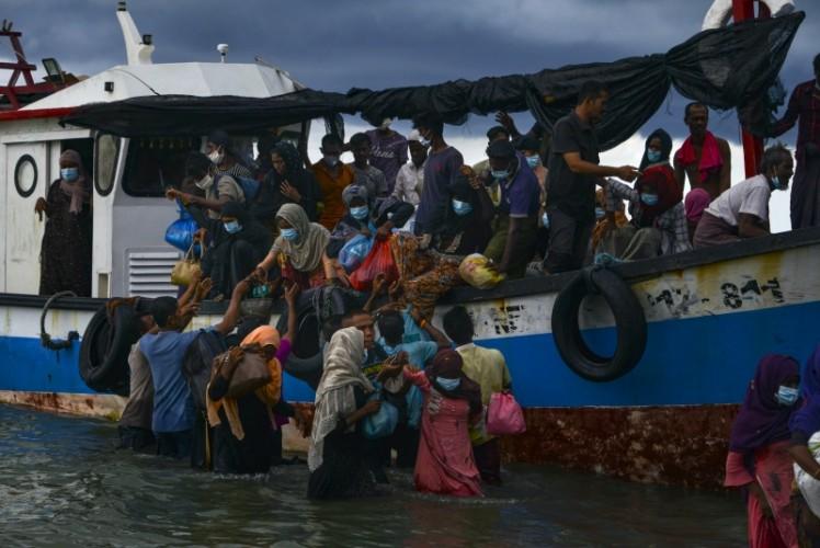 Oposisi Myanmar Minta Bantuan Rohingya Gulingkan Junta