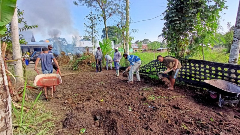 Pandemi Covid-19 Tak Halangi Niat Warga Bergotong Royong