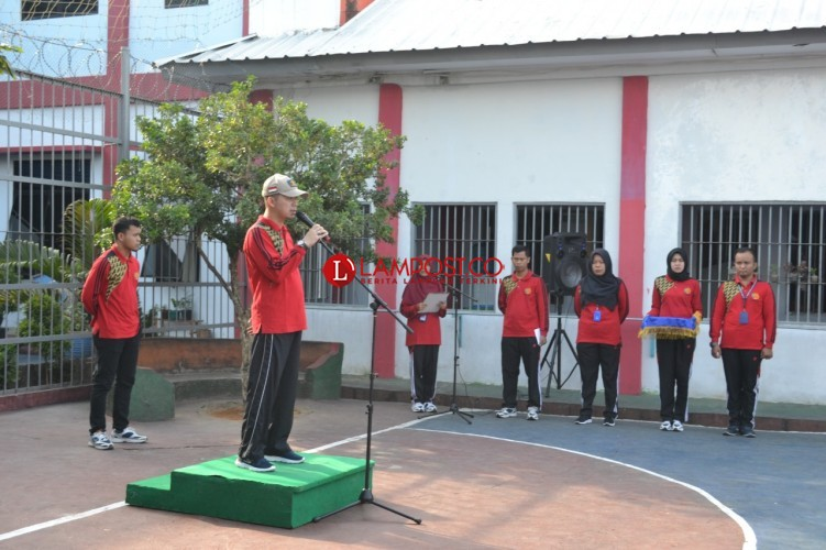Para Napi Unjuk 'Gigi' dalam Ajang Porsenap