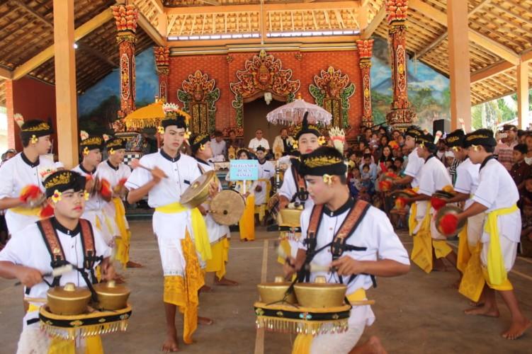Parade Budaya Bali Sadhar Utara Sambut HUT RI