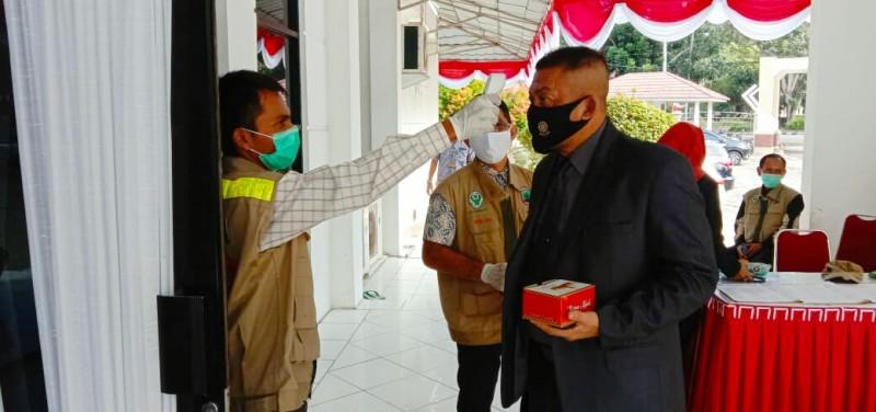 Paripurna Dengarkan Pidato Presiden, DPRD Lamsel Terapkan Protokol Kesehatan
