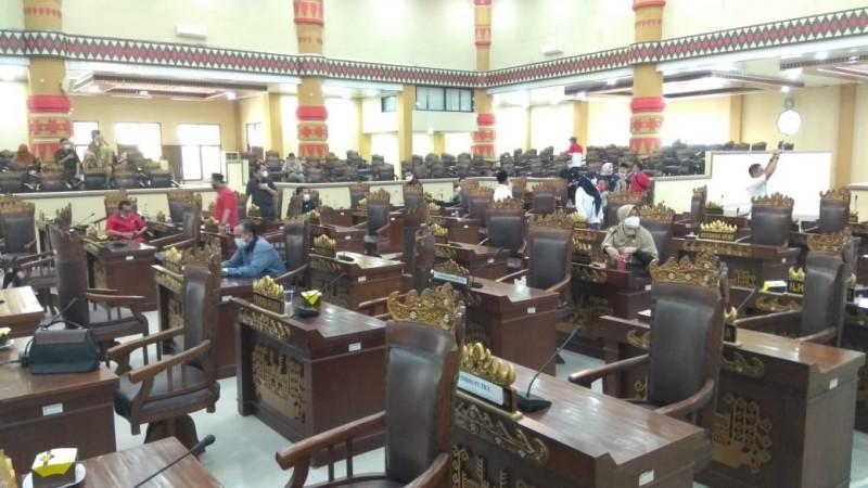 Paripurna Ditunda karena Anggota DPRD Kota Tolak Sidang Dipimpin Wiyadi