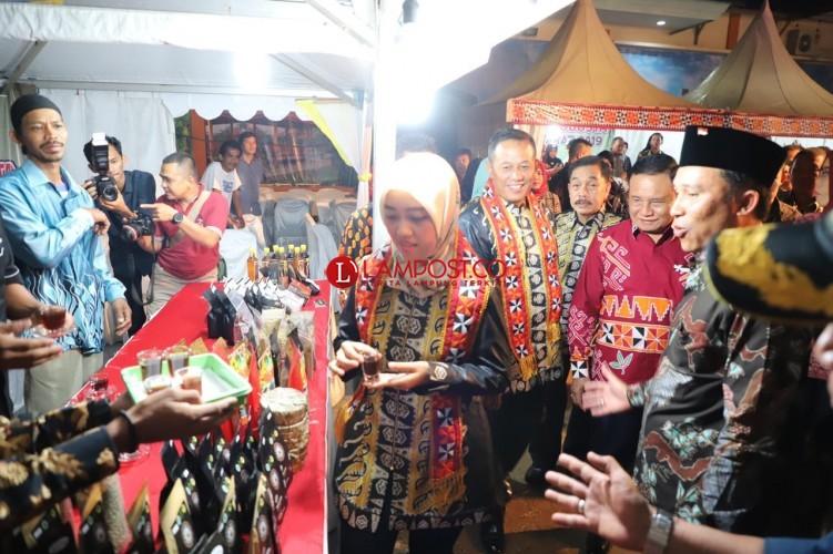 Parosil Ajak Pengunjung Pekan Raya Lampung Ngopi di Anjungan Lambar