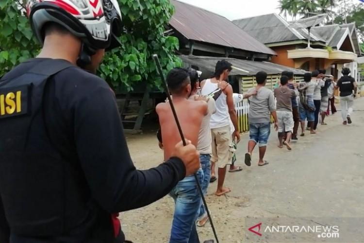 Pascabentrok, 81 Warga Desa Sampuabalo Diperiksa