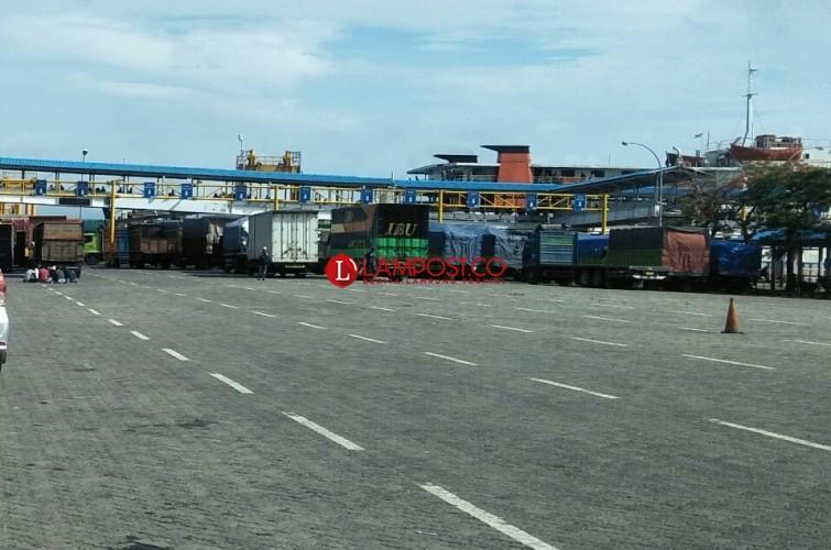 Pascatsunami, Arus Penumpang di pelabuhan Bakauheni Turun