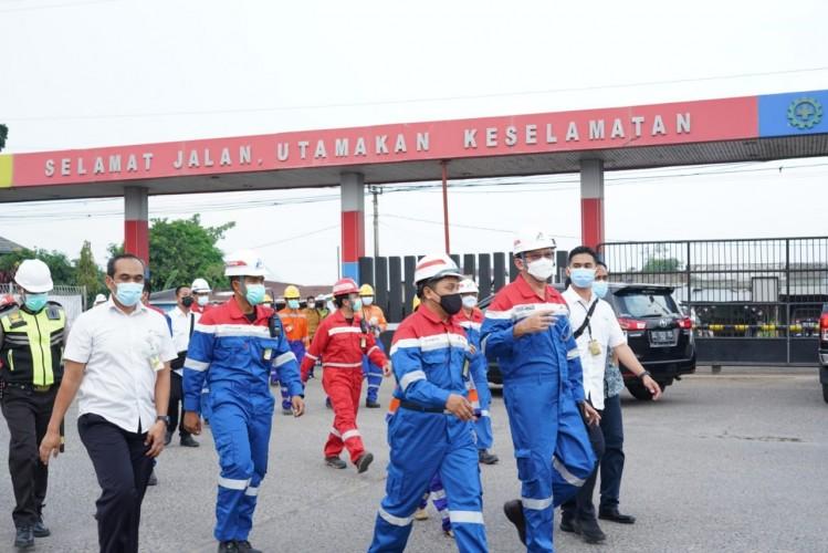 Pastikan Layanan Distribusi Energi Optimal, Komut Pertamina Kunjungi Depot LPG Pulau Layang dan IT Palembang