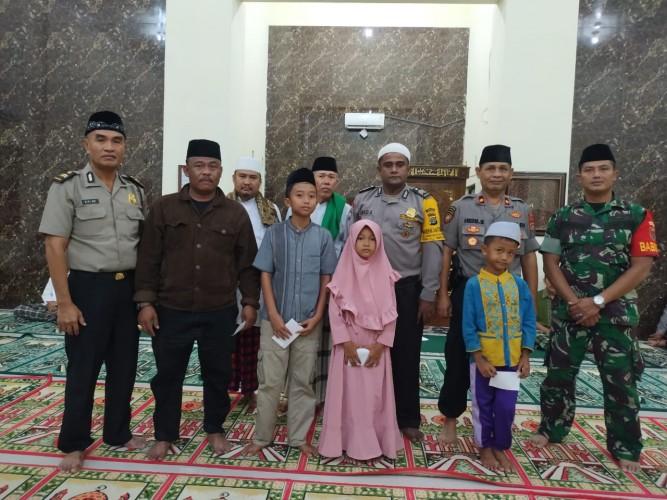 Patroli Subuh di Desa Sabahbalau, Kapolsek Ingatkan Jaga Kamtibmas