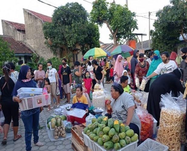 Pedagang dan Pembeli di Pasar Tempel Masih Abaikan Protokol Kesehatan