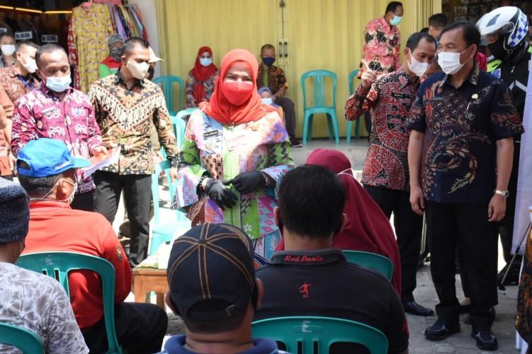 Pedagang di Bandar Lampung Mulai Divaksinasi Covid-19