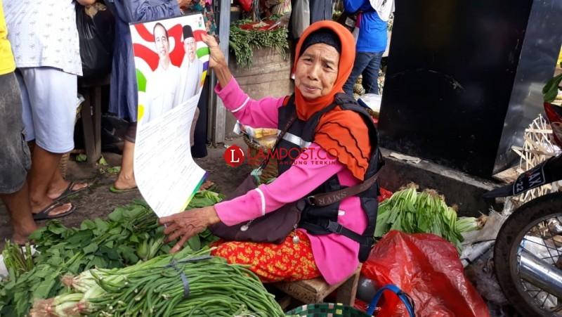 Pedagang Pasar Gintung Doakan Jokowi Jadi Presiden Lagi