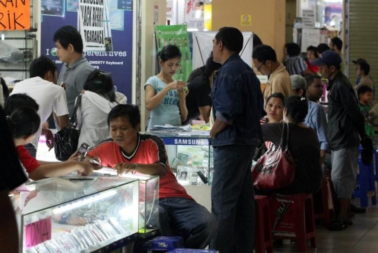 Pedagang Ponsel Protes Penerapan Regulasi IMEI