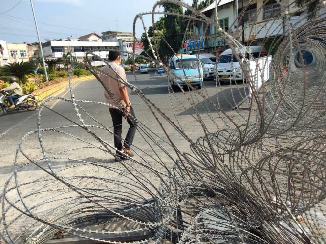 Pedagang Sebut Penyekatan Kawat Berduri di Bandar Lampung Bikin Omzet Anjlok