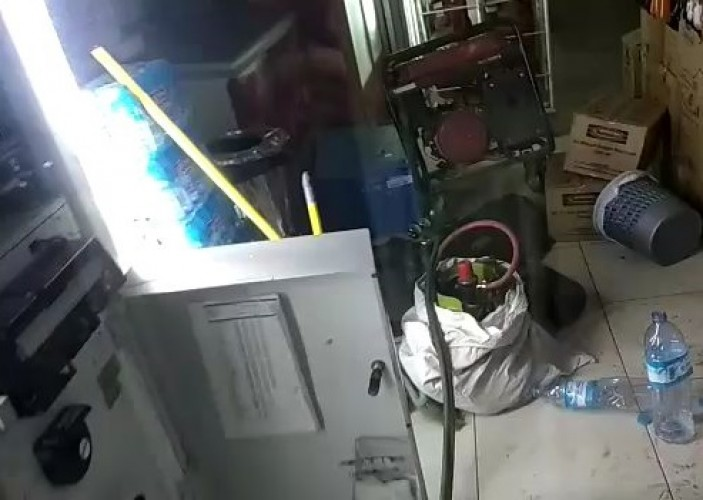 Pelaku Gunakan Mesin Las untuk Bobol ATM di Minimarket